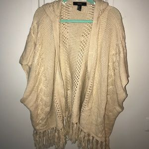 Short sleeve fringe sweater with hood